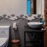 Kon Tiki Da Nang Hostel Room Toilet
